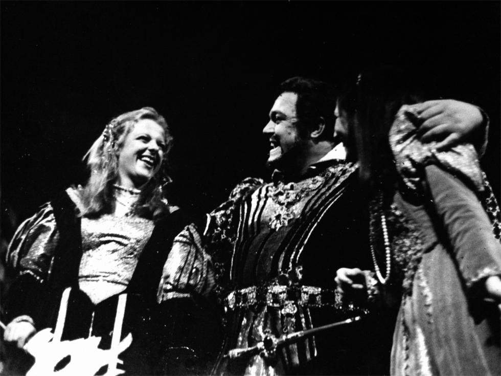 Irene con Luciano Pavarotti