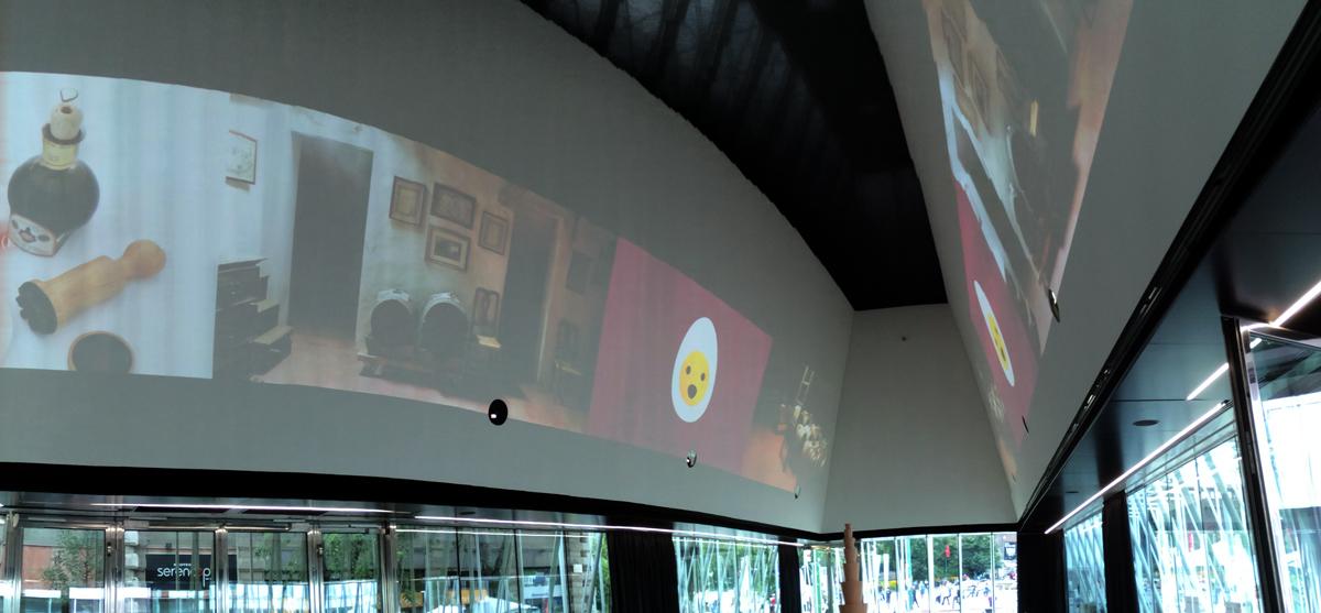 Le proiezioni sulle pareti della Sala Sforza